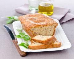 cake au thon et légumes : http://www.cuisineaz.com/recettes/cake-au-thon-et-legumes-65134.aspx