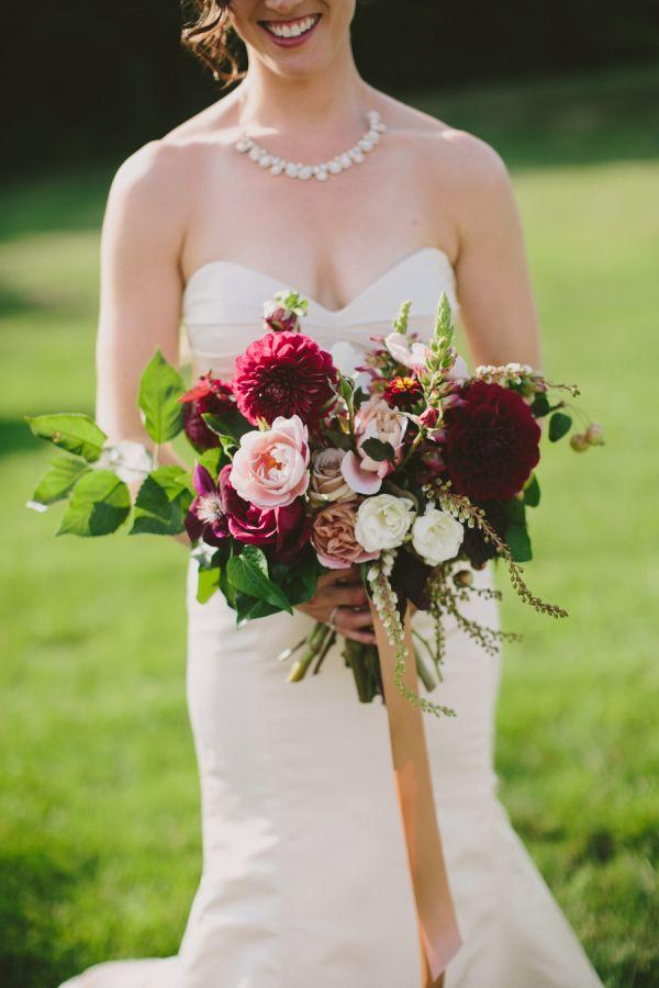 Elegante Autumn Barn Wedding in Maine   – Florals