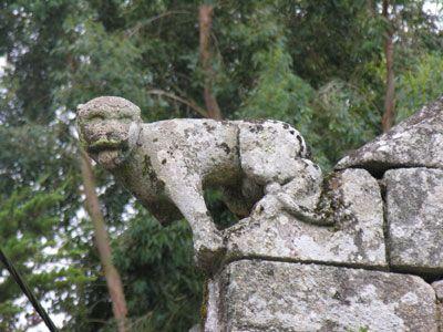 Auray : le chat de St-Cado sur la chapelle St-Cado