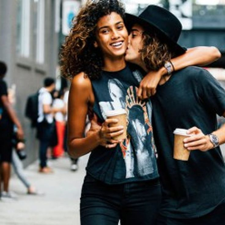 Why It Matters What You Wear On A First Date