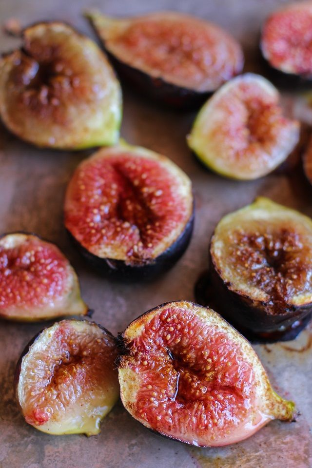 Maple Roasted Figs with Cinnamon | http://TheRoastedRoot.net #vegan #healthy #dessert