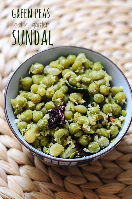 Green Peas Sundal - South Indian Navratri Recipes #vegan #vegetarian #navratrirecipes #sundal #tamilrecipe #indianfood #coconut