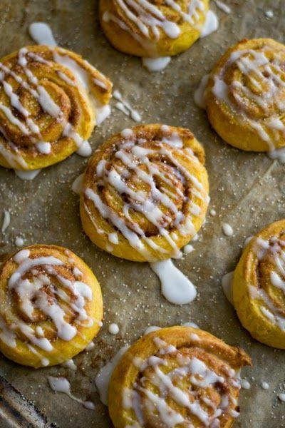 Foodblog mit gesunden vegetarischen Rezepten: Kürbis-Zimtschnecken, und auch noch vegan