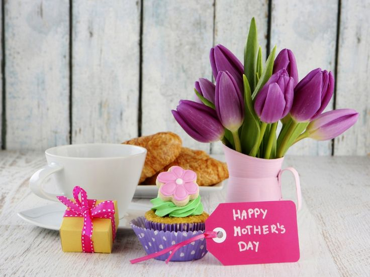 Скачать обои цветы, flowers, holiday, торт, круассан, cake, mother's day, праздник, день матери, коробка, десерт, dessert, подарок, tulips, cream, box, card, крем, карта, cup, чашка, букет, кофе, gift, тюльпаны, раздел праздники в разрешении 1280x960