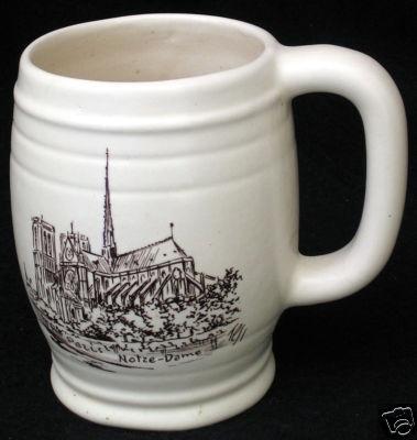 DIY inspirationCeramics Painting, Diy Inspiration, Ceramic Mugs, Ceramics Mugs, Maine Ceramics, Stein Paris, Paris Notre Dame, Dame Drawing, Decor Maine