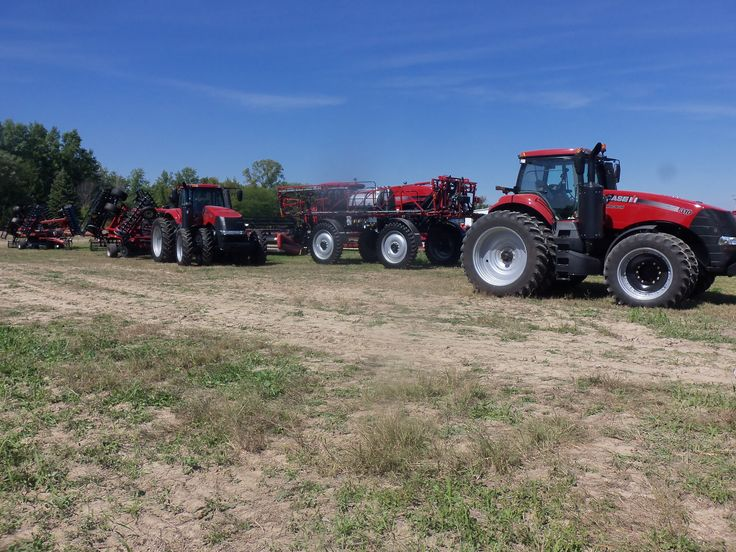 CaseIH Magnums,Patriot sprayer & equipment outback in Urbana