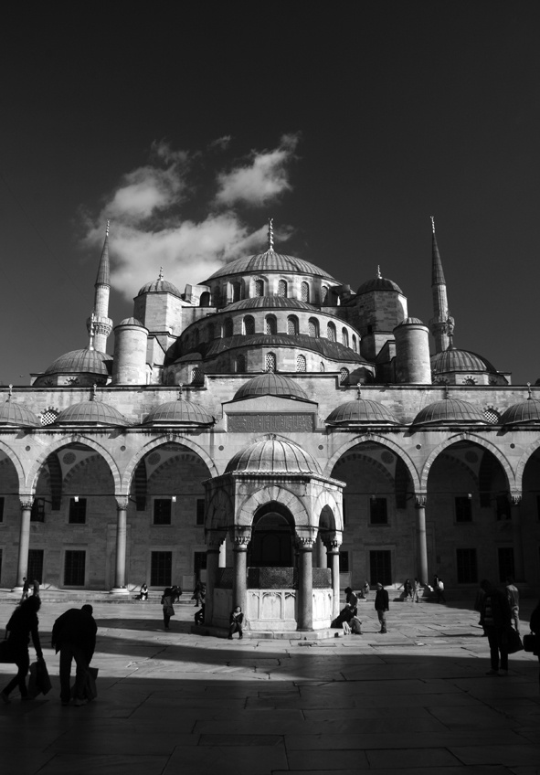 blue mosk Istanbul by Taco Dietvorst