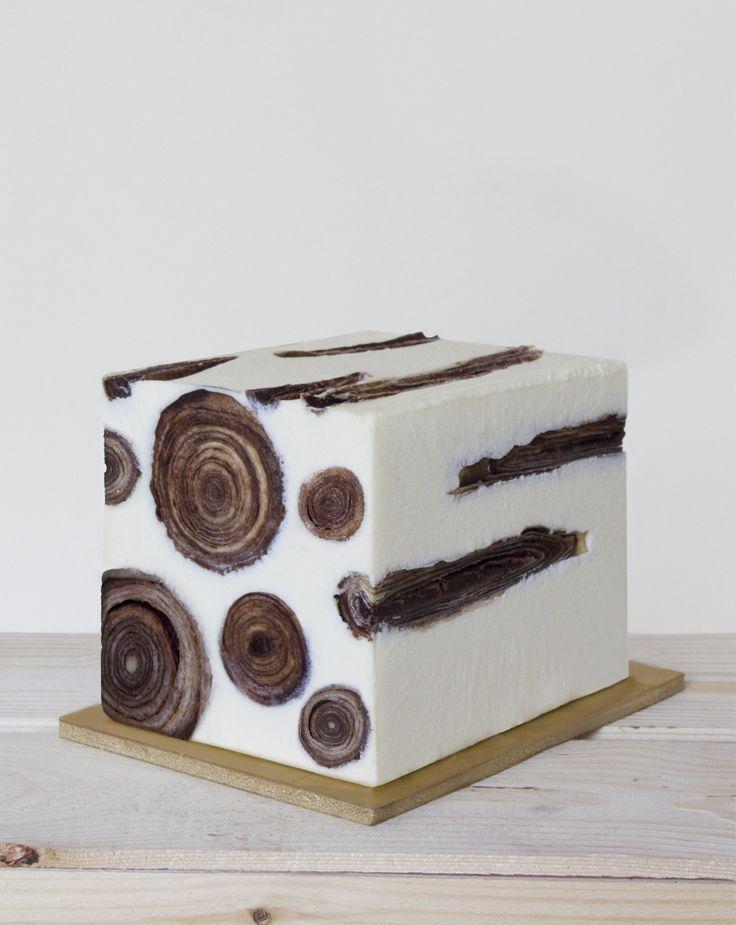 Studio Exquisite   Design culinaire   Food design : Plumas glacé - Bûche de Noël #christmascake