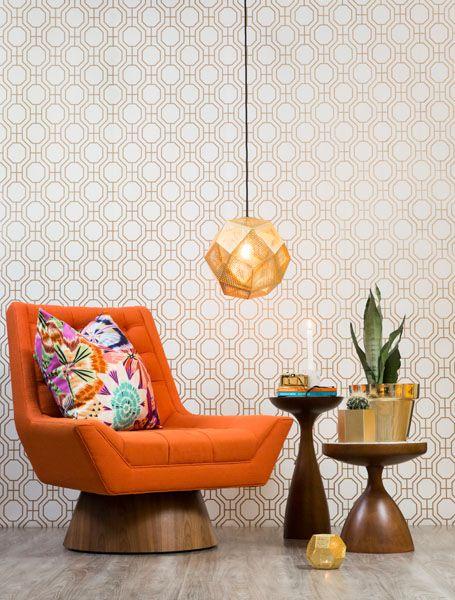 Norsk trellis, et geometrisk tapetdesign utviklet spesielt for det norske markedet. #Wallpaper #trend www.storeys.no