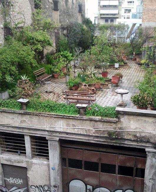 romantic rooftop gardens.