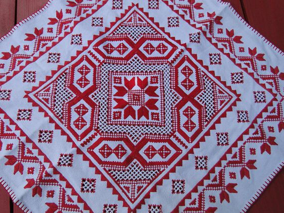 Check out this item in my Etsy shop https://www.etsy.com/listing/564045591/cross-stitch-tableclothred-pattern