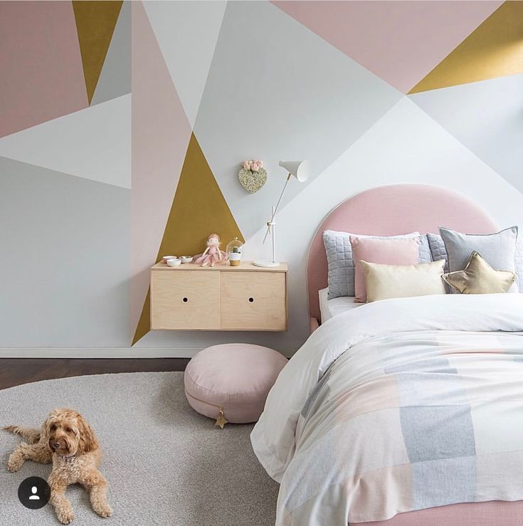 Love this gorgeous feature wall in Dulux paints
