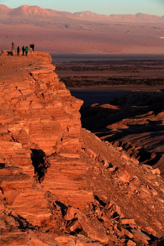 El Valle de la Luna es un paraje desértico ubicado a 13 km al oeste de San Pedro de Atacama, perteneciente a la Región de Antofagasta.