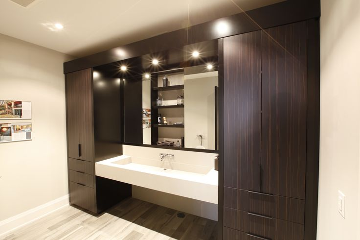 Clean & tidy (but needs some lower side-lighting for proper makeup application)  [Braam's Custom Cabinets]