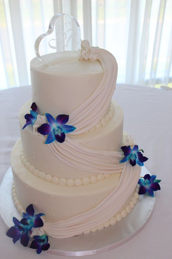 pretty wedding cakes without fondant buttercream wedding cake with a fondant swag and fresh 18739