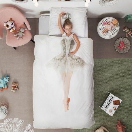 Ballerina sengesett fra SNURK. Finnes i mange flotte design. Se mere på vår nettbutikk: http://www.sengemakeriet.com/webshop.aspx?pageid=78949&catId=23155&groupId=27825&Product=110704#products