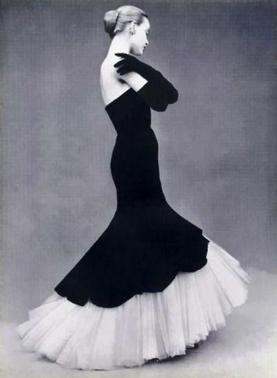 Balenciaga 1951. wow