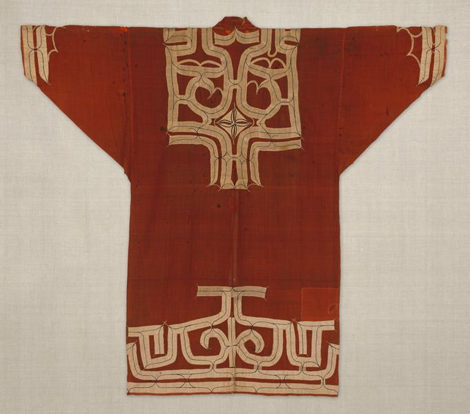 Robe with appliqué of Ainu. 19th century. Hokkaido, Japan. muslin and   cotton. 126.5×143.0 cm. No.22038