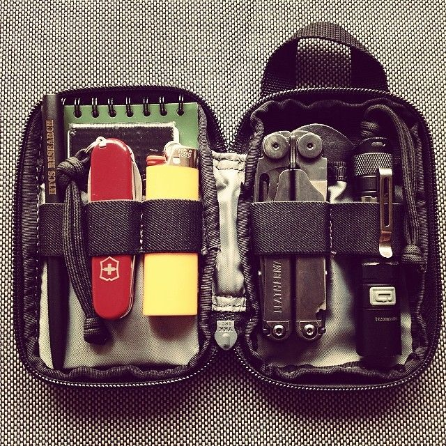 EDC partner : Maxpedition Micro Pocket Organizer + Leatherman Wave Military, Fenix LD12, Victorinox Tourist, Bic lighter, Space Pen HTCS Research, Rite in the rain note pad, gorilla tape, Fallkniven DC3.