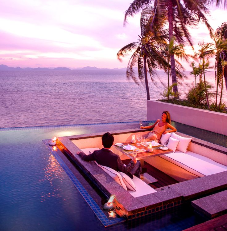 Romantic dinner in the comfort and privacy of your own ...