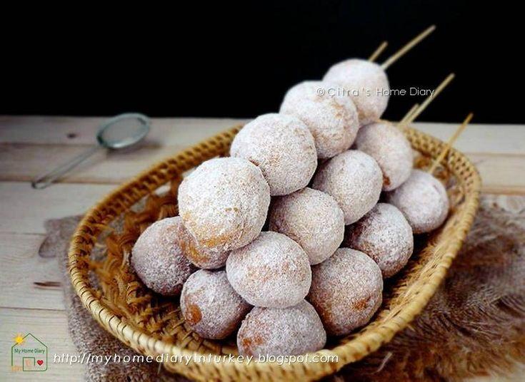 Citra's Home Diary: Sate donat kentang / Potato doughnuts holes in ske...