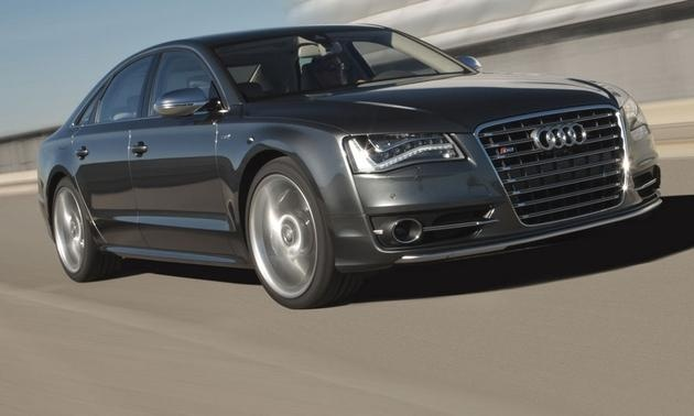 2013 Audi S8 drive review