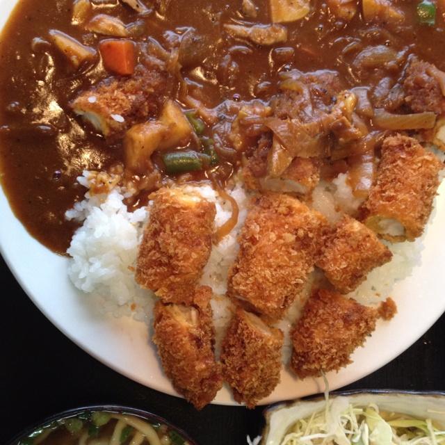 和泉食堂のチキンカツカレー