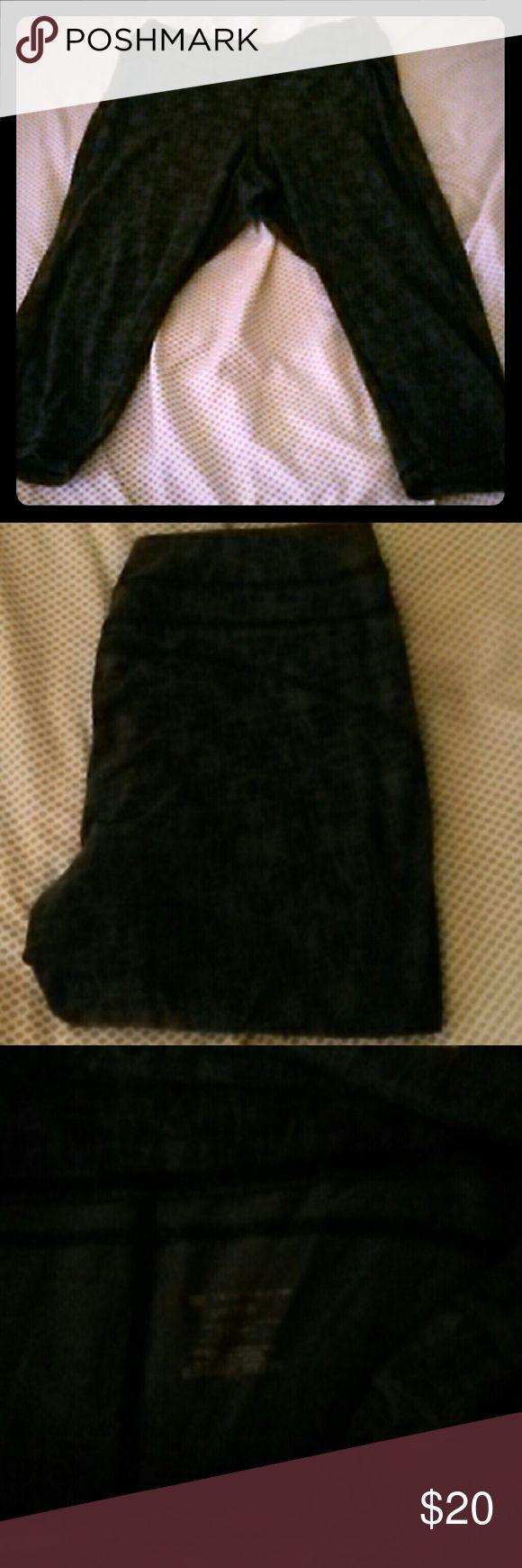 Athletic capris Designed black and gray athletic capris tek gear Pants Capris