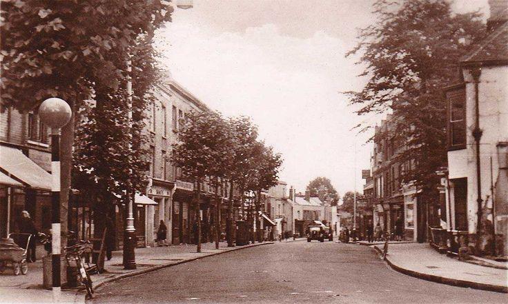 London, Charlton, The Village