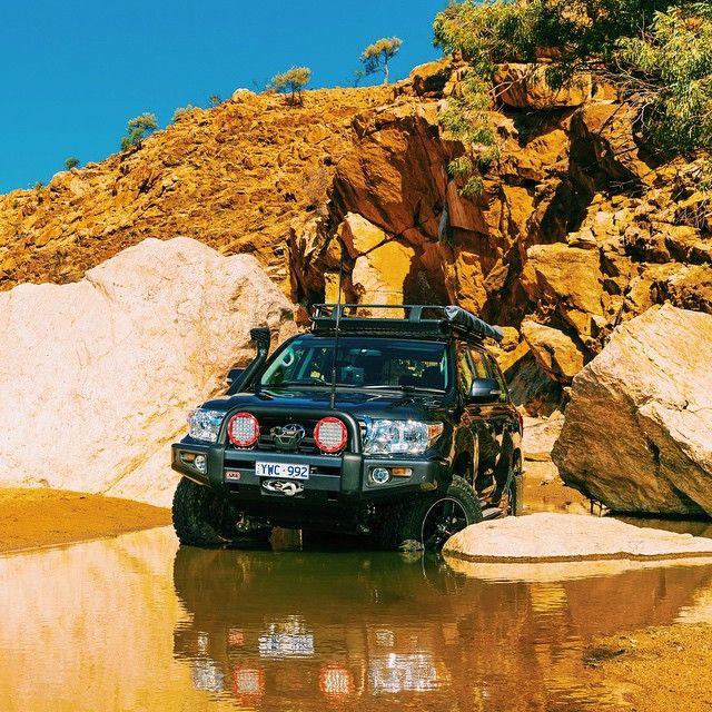 :: Land Cruiser 200 Series ::