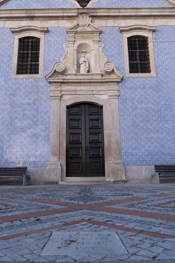 Fachada principal da Igreja Matriz do Troviscal, Oliveira do Bairro, Aveiro, Portugal