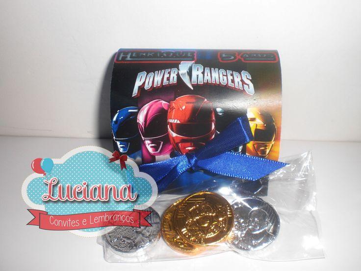 Bauzinho personalizado no tema do Power Rangers, por�m pode ser confeccionada em todos os temas. <br> <br>Bauzinho confeccionado em papel couch� de alta gramatura, acompanha la�o e 4 moedas de chocolate. <br> <br>* QUANTIDADE M�NIMA 30 UNIDADES