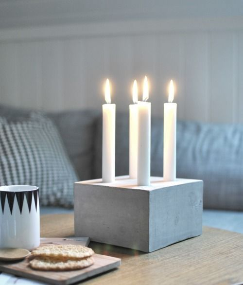 Pure and simpel concrete and candles