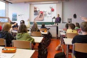 Analisi scuole in Italia : Primato per l'inefficienza