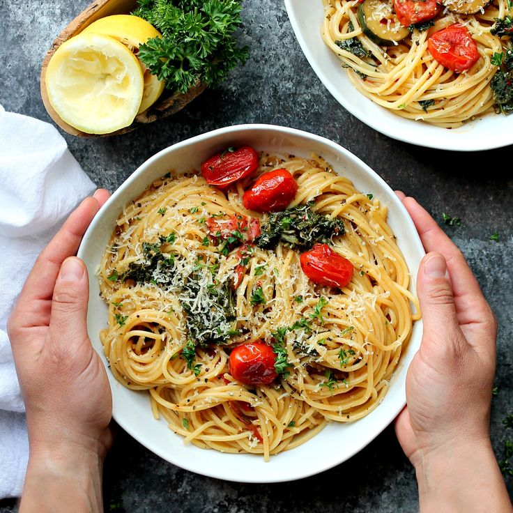 20-Minute Garlicky Lemon Pasta