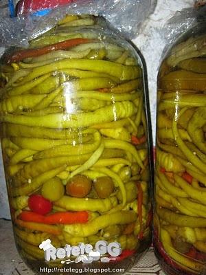http://retetegg.blogspot.ro/2011/09/ardei-iuti-in-otet.html