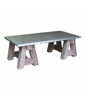 Mesa de centro estilo industrial formada por caballetes de madera pino gris viejo con encimera de zinc , se puede hacer a medida .