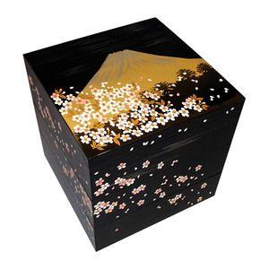 日本の伝統をモダンにデザイン。【山中塗 三段重 桜富士山】