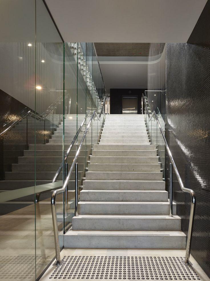 Argentum | Photography by Scott Burrows | Designed by Ellivo | www.ellivo.com | #design #architecture #stairs #staircase #tiles #mirror #interiordesign #interior