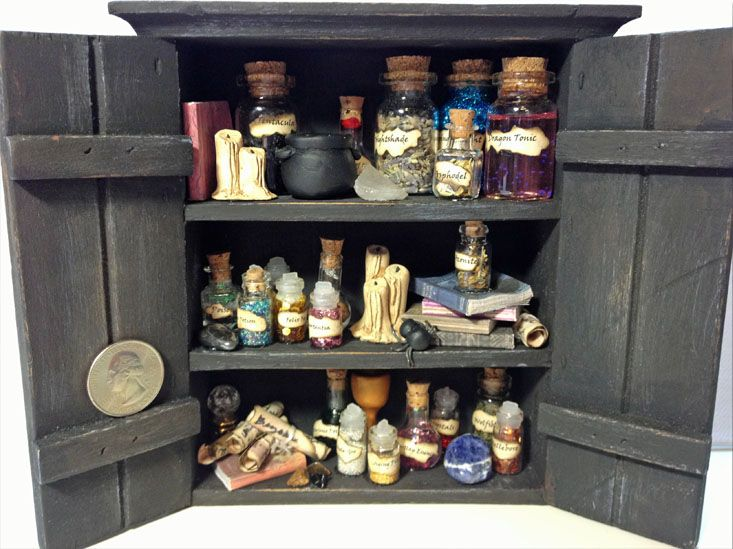 Harry Potter Potions Cabinet by patty_o_furniture on Craftster