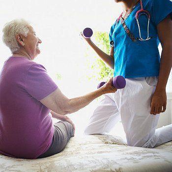 Realizamos sesiones de fisioterapia a domicilio con personal cualificado y gran experiencia.