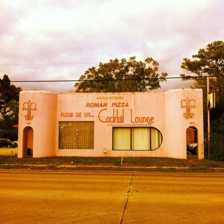 Fleur de Lis Pizza, Baton Rouge, LA - OH how I miss this!