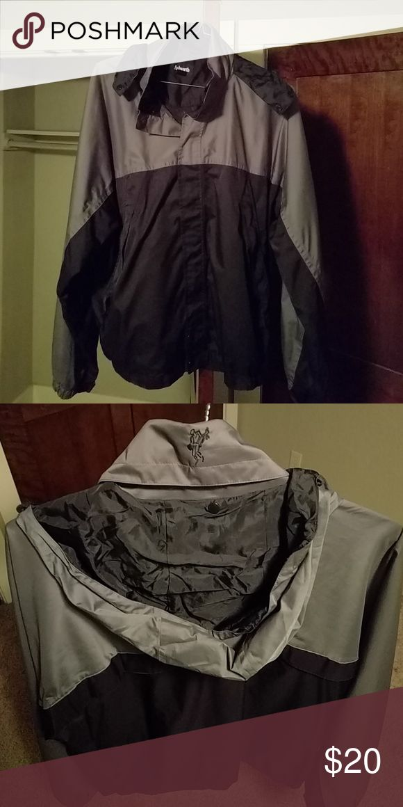 Ashworth Golf Rain Jacket w/ Detachable Hood Gently worn with tons of life left. Excellent condition with no rips, tears, or discoloration Ashworth Jackets & Coats Raincoats