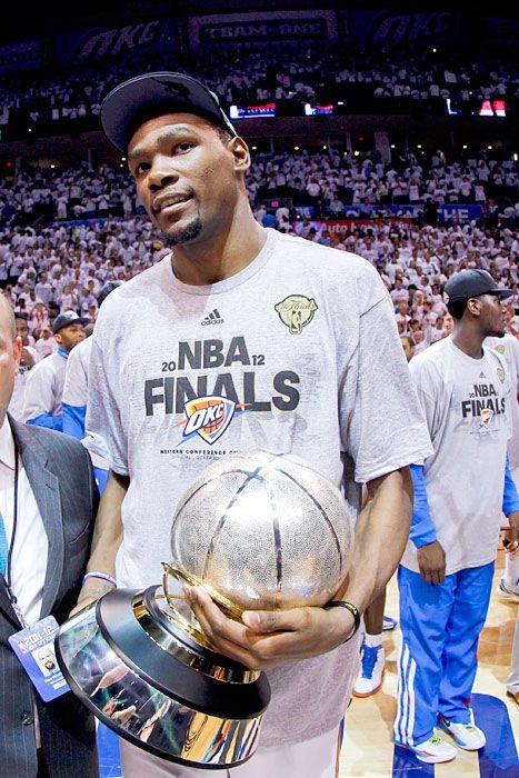 Kevin Durant es mi favorita basquetbol jugador.