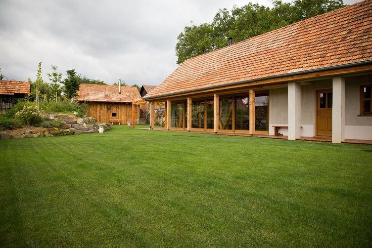 Rodinný dom z úpätia Štiavnických vrchov dokazuje, že rekonštruovať sa oplatí - Nehnutelnosti.sk