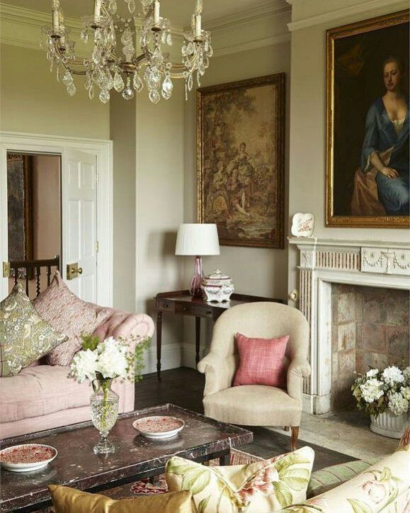 elegant living room homes and antiques decoraci n hogar casas rh ar pinterest com