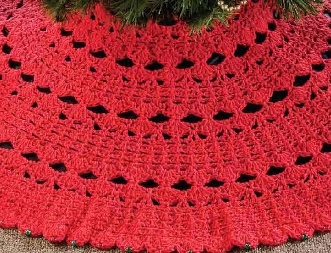 Christmas Tree Skirt Crochet Pattern. $4.00, via Etsy.
