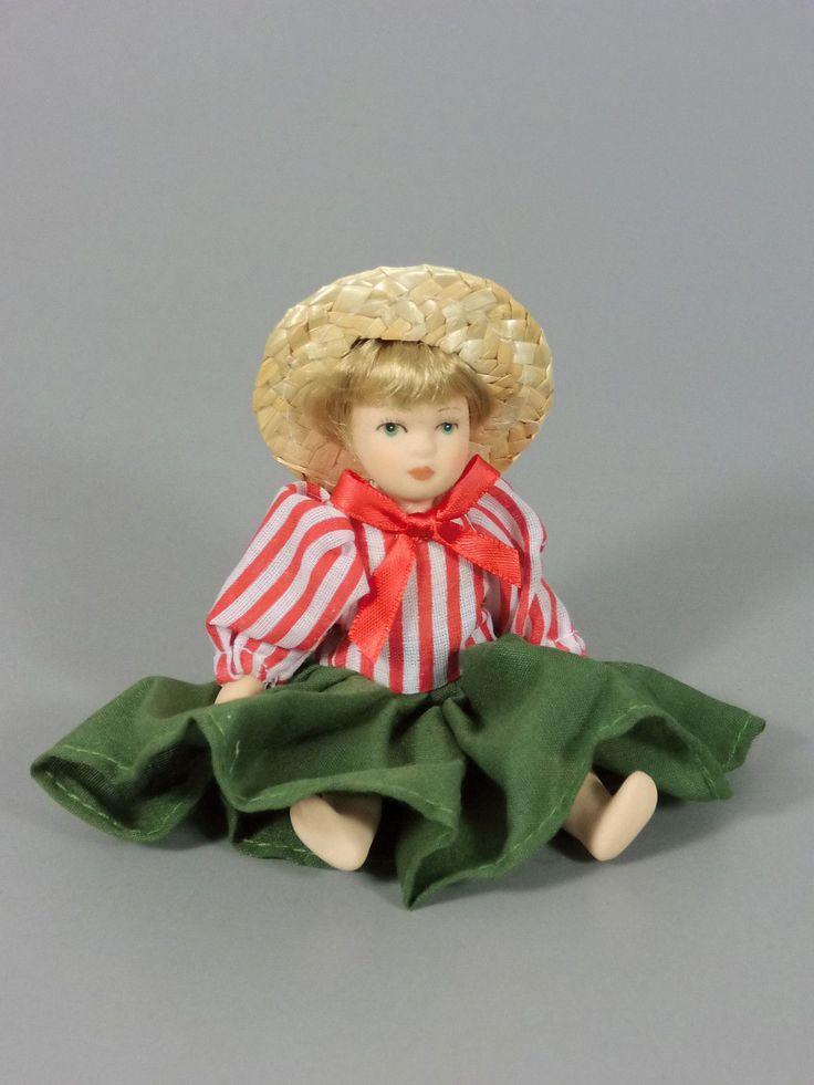 Maxi EI Bewegliche China Puppen 2002 Puppe Mit GRÜN Rotem Kleid | eBay