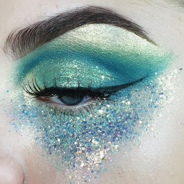 blue and green glitter mermaid makeup