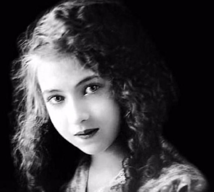 The Last Ziegfeld Girl – 19 Rare Photos of Doris Eaton Travis From the 1920s